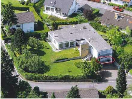 Großzügige Einliegerwohnung in Villa mit 400m2 Gartenanteil