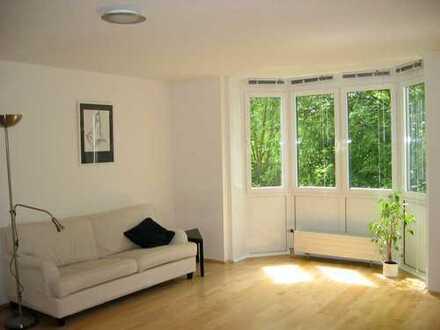 ruhige 2-Zimmer-Wohnung mit Balkon in Obersendling, München