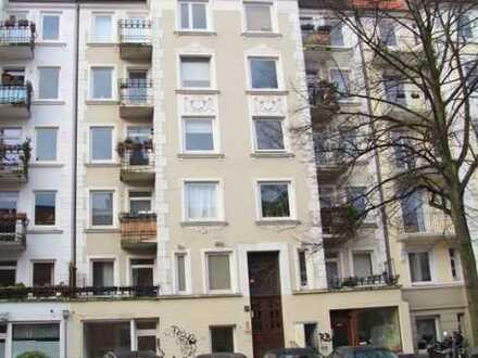 Barmbek-Süd: 3-Zimmer-Altbau - ideal für WG oder als Wohnbüro / Praxis/ Atelier