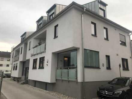 Schöne und helle 5 Zimmer Maisonette-Wohnung Baujahr 2017