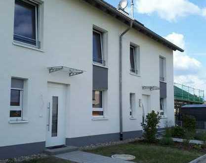 Schönes Haus mit sechs Zimmern in Darmstadt-Dieburg (Kreis), Griesheim