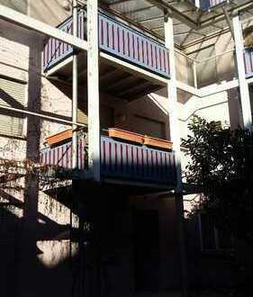 Von Privat.Ruhige 2-Zimmer-Wohnung mit Balkon und EBK im Zentrum von Plochingen i