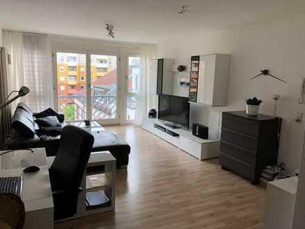 Schöne , geräumige und helle 2-Zimmer-Wohnung mit EBK in Ludwigshafen