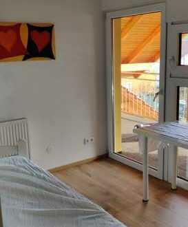 1 Zimmer in 3 er WG frei! Möbliert! Balkon! 25 min nach Basel oder Freiburg!