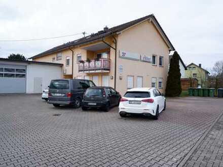 Schöne 2 Raum-Büroeinheit im Erdgeschoss mit 2 Stellplätzen und Lager im UG in 75233 Mühlhausen