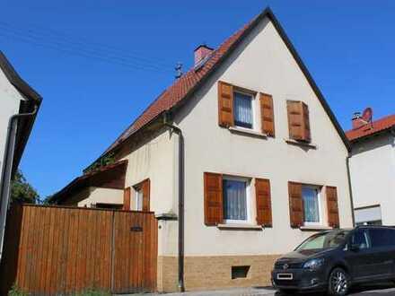 Einfamilienhaus in Haus-Hof-Bauweise mit Garten u. Garage in Böhl-Iggelheim