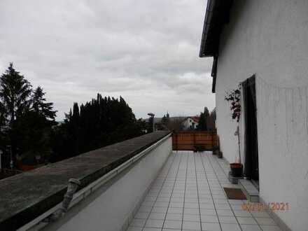 EFH, 4 Zi, KÜ, 2 Bäder (EG+OG), große Dachterrasse, Keller, Garage, kleine Werkstatt