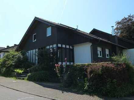Schönes, geräumiges Haus mit fünf Zimmern in Rhein-Sieg-Kreis außerhalb von Lohmar