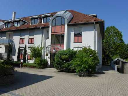 Schöne, zentral gelegene Dreizimmer-Wohnung in Bruchsal (Stadt), nahe Schloss