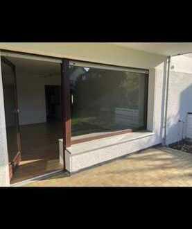 Kleine Wohnung mit Terrasse zu vermieten