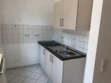 Klein - Fein - Mein! - Süße 1-Raum mit kleiner EBK, Laminat und Wanne in Bernsdorf