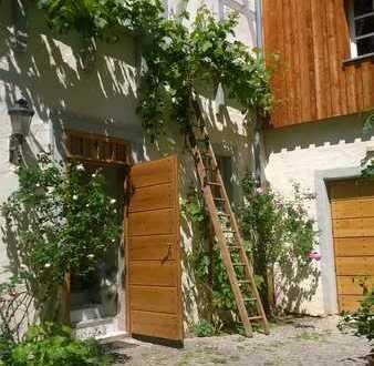 Schöne liebevoll möblierte Wohnung mit drei Zimmern in Randersacker