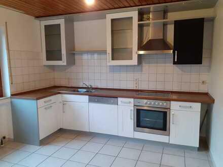 Helle 4,5-Zimmer-EG-Wohnung mit Garten + EBK in Altdorf