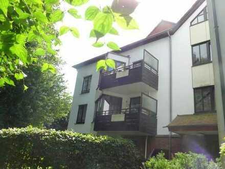 Düsseldorf-- Knittkuhl: Hübsche 2- Zimmer-Terrassenwohnung mit Charme