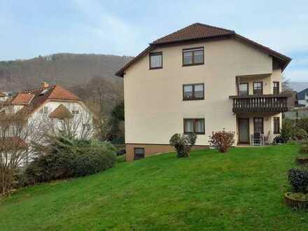 Einziehen und wohlfühlen - Helle Erdgeschoßwohnung mit schöner Terrasse in Eberbach