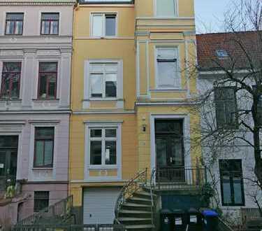 Großzügige Maisonette-Wohnung im Viertel mit Balkon