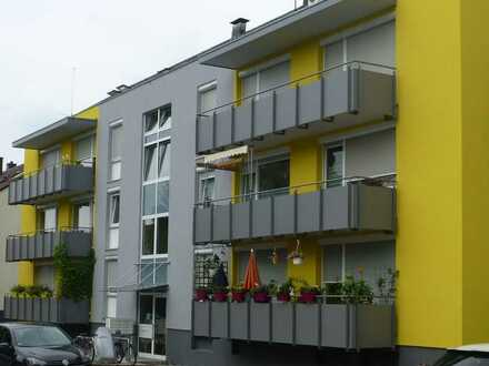 Schöne, komfortable 3-Zimmer-Wohnung mit Essdiele und zwei Balkonen