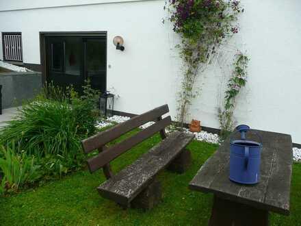 Frankfurt Pendler Apartment - ruhige Taunuslage *30min FRA Airport *80qm +Terrasse+Garten+Wintergart