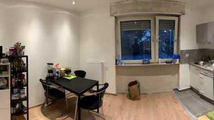 schönes 16qm Zimmer in frisch renovierter Wohnung