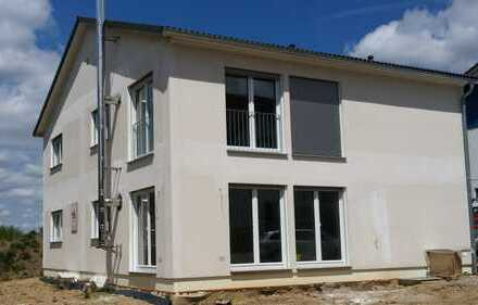 Erstbezug mit Balkon: schöne 3-Zimmer-Wohnung in Blaufelden