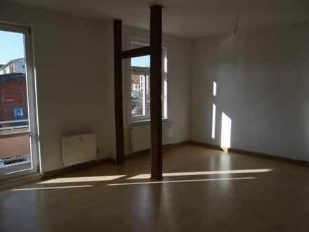Helle 3-Raum Wohnung mit Balkon und Stellplatz