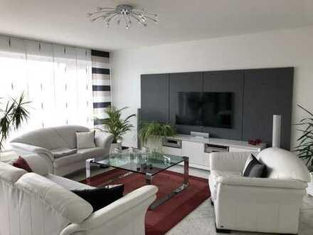 Wunderschöne Penthouse Wohnung mit großem Balkon in Moers-Stadtmitte zu vermieten