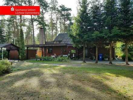 gemütliches Holzhaus mitten in der Natur