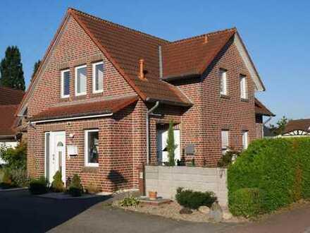 Einziehen und Wohlfühlen! Solide Dachgeschoss-Eigentumswohnung in Lohne