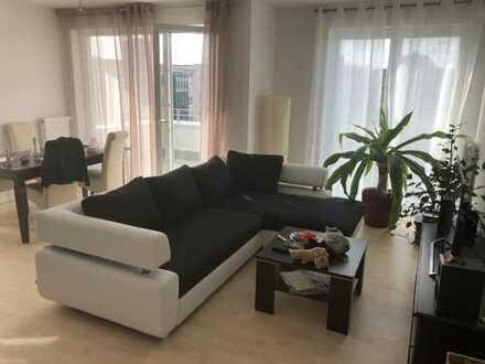Ansprechende 2-Zimmer-Wohnung mit EBK und Balkon in Marzahn, Berlin