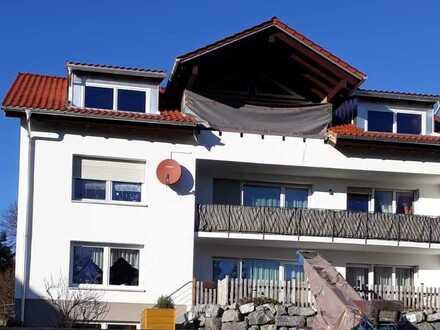 Erstbezug mit Balkon: freundliche 4-Zimmer-DG-Wohnung in Sulzberg