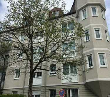 Schöne Zweizimmerwohnung mit Balkon und Tiefgaragenstellplatz in München Obergiesing