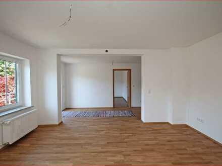 Tip Top renovierte 4- Zimmer- Wohnung
