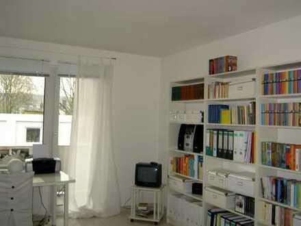 Helles Appartement mit Balkon