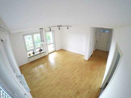 Schöne zwei Zimmer Wohnung in ruhiger Lage