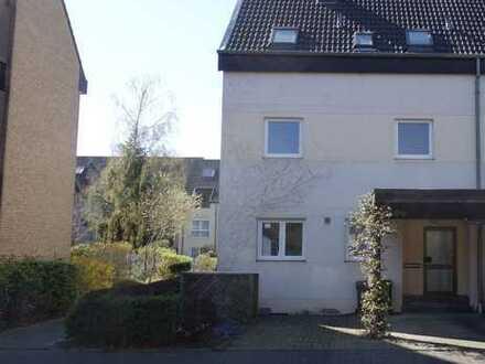 Familienglück in Troisdorf mit Einliegerwohnung im DG und großem Garten