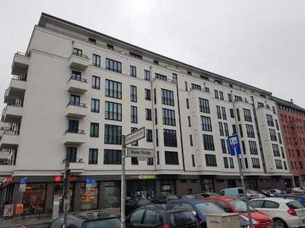 Helle. geräumige 4-Zimmer-Wohnung mit Balkon und EBK in Berlin-Mitte