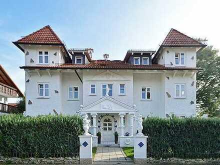 Wundervolle großzügige 4-Zimmer-Wohnung im OG mit Balkonen und Wintergarten in idyllischer Wohnlage