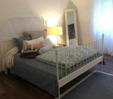 Vollausgestatte Luxuswohnung mit 2 Zimmer, Küche, Bad und Loggia zu vermieten - NEU