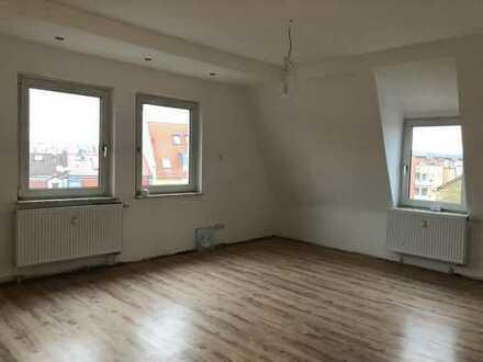 Wird aktuell für Sie renoviert: Stilvolle 3-Zimmer-Altbauwohnung in Schweinfurt