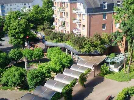 Weidenpesch/ Balkonwohnung: sanierte 2 Zimmerwhg,Duschbad,Gäste-WC, sonniger Balkon