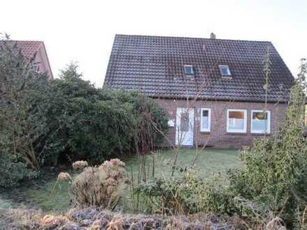 Haus mit vier Zimmern plus zwei kleineren Räumen in Alexandersfeld