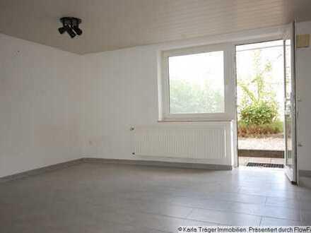 Schickes wie helles saniertes Appartement mit eigenem (seperatem) Zugang, in einem MFH. Miete.