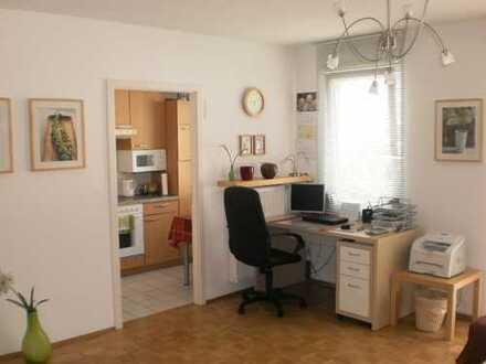 Helles, möbliertes und gut vermietetes Apartment in einem äußerst gepflegten Mehrfamilienhaus