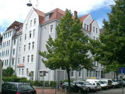 Linden-Süd - Nähe Humboldtschule/Stadtbahn + Hochwertige 3 Zi. Whg. mit gr. Balkon +