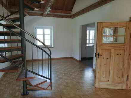 Sanierte 3,5-Zimmer-Maisonette-Wohnung mit Einbauküche in Missen-Wilhams