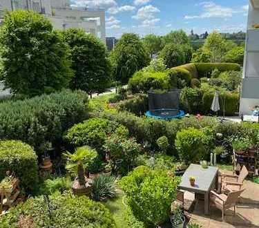 Hier leben Sie glücklich: Solides Eigentum mit großem Sonnenbalkon