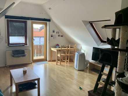 Dachgeschoss Studio mit Balkon und EBK in Wolfschlugen