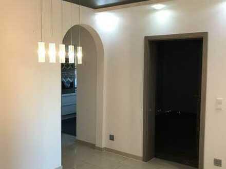 Exklusive, modernisierte 4-Zimmer-Wohnung mit Balkon und EBK in Bad Wimpfen