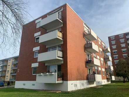 Renovierte 3-ZKB mit Balkon mit Ausblick ins Grüne ab 01.06.2021