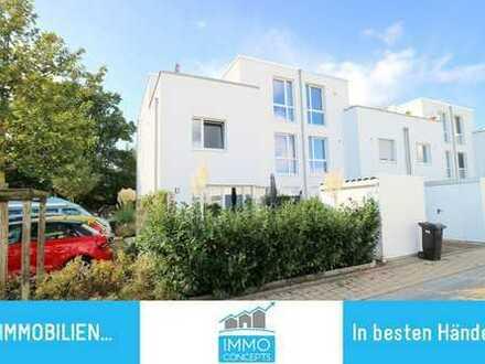 TOP! Raumwunder in Quickborn... Energiespar-Townhouse mit hochwertiger Ausstattung und Stellplatz